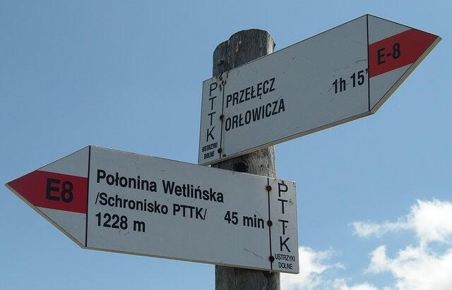 Znaki wskazujące drogę