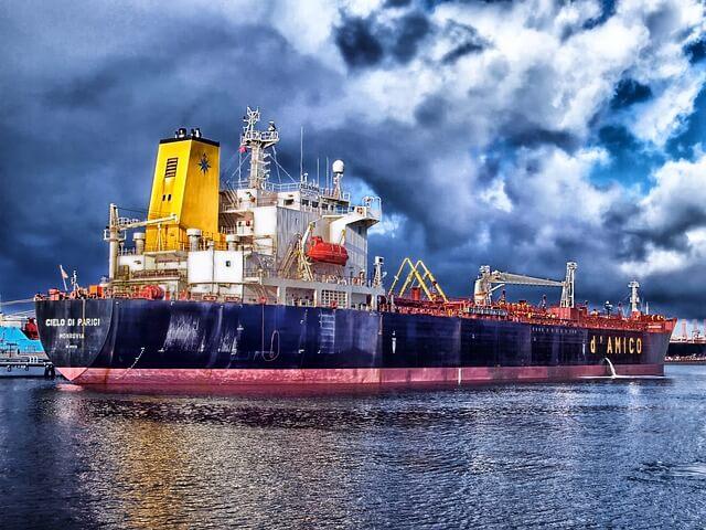 Statek transportujący ładunek