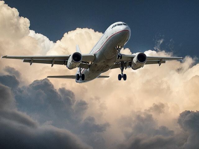 Samolot transportujący towar