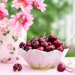 miska z wiśniami
