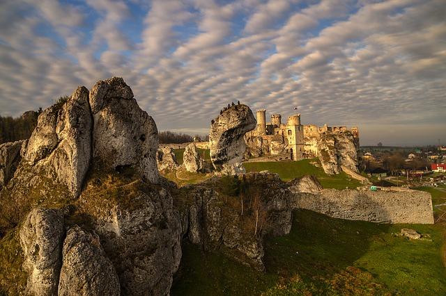 Zamek Ogrodzieniec Jura
