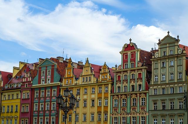 Kolorowe kamienice na wrocławskim rynku