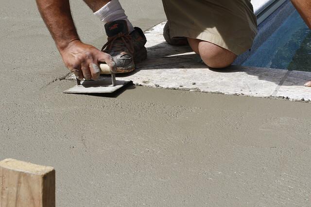 kładzenie betonu