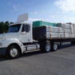 ciężarówka z ładunkiem